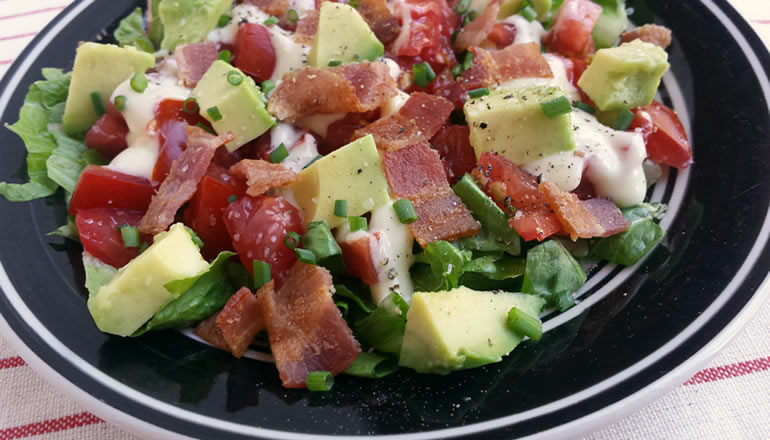 Easy BLT salad with avocado - gluten-free, low-carb, paleo